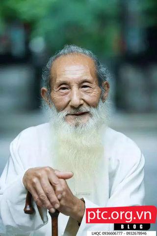 Danh y Trung Quốc 101 tuổi thực hiện những động tác này mỗi tối, cả đời không mắc bệnh