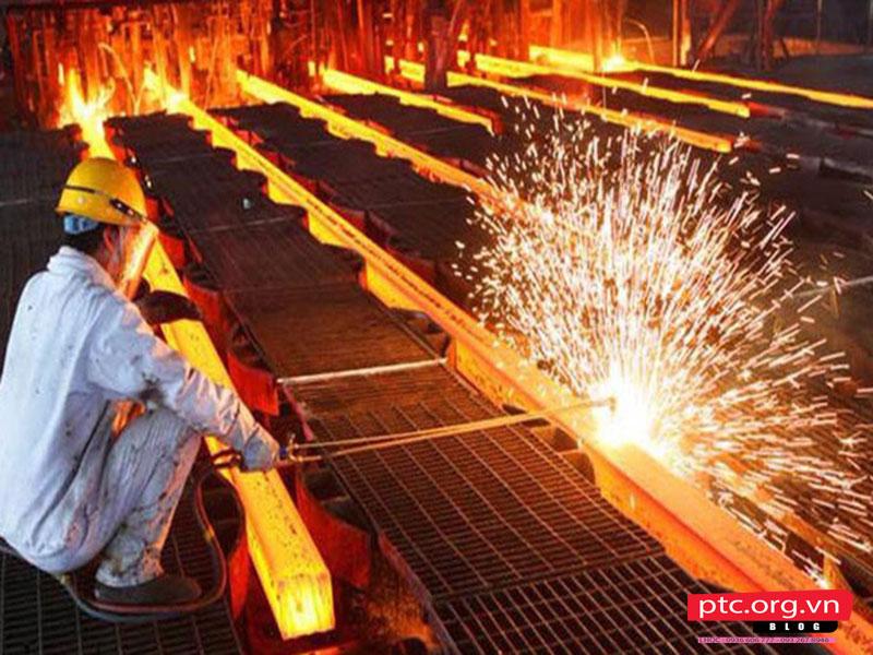 Giá xây dựng thô hiện nay từ 3-4 triệu đồng/m2| Giá VLXD tăng giá chóng mặt